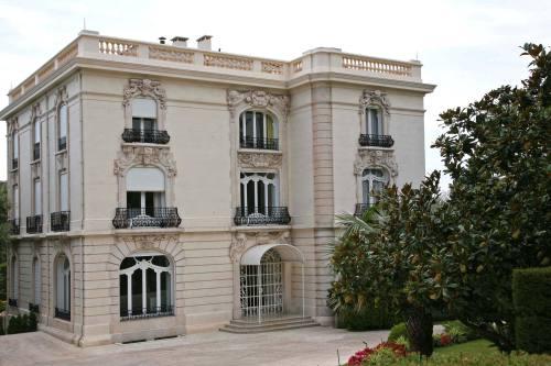La Californie, בקאן שבצרפת. גם בית המידות שהפך למוזיאון פיקאסו, מועמד למכירה