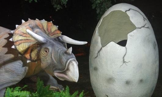הידעתם? 60% מהדינוזאורים היו צמחונים >>> צילום מתוך תערוכת הדינוזאורים בגן הבוטני בירושלים