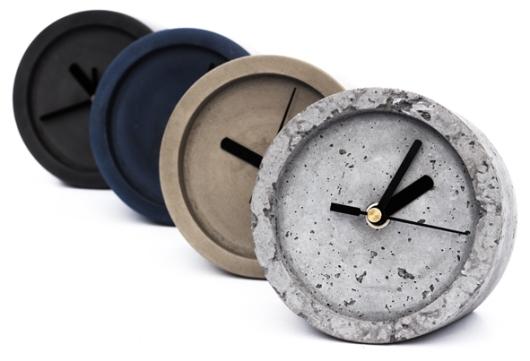 שעוני בטון של איוונקה במבחר צבעים. שיהיה בשעה טובה