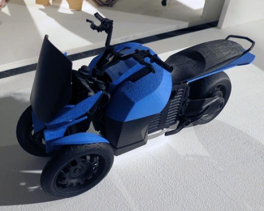 מה שכבש את ליבנו הוא האחסון – 60 ליטר בשני חלקים שמתלבשים על האופנוע