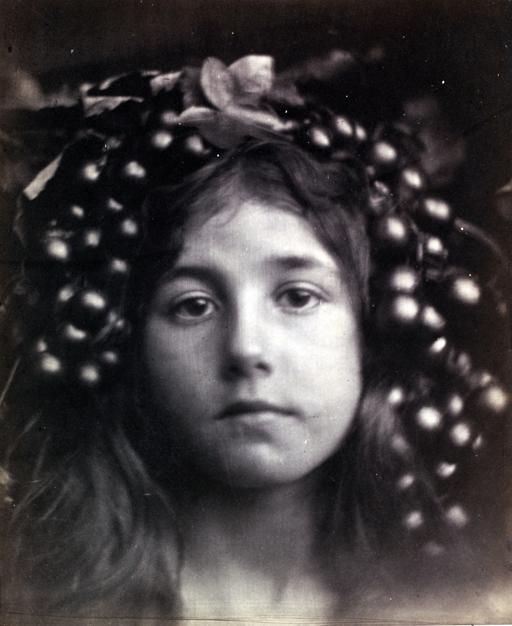 Circe - Julia Margaret Cameron 1865 Victoria and Albert Museum London