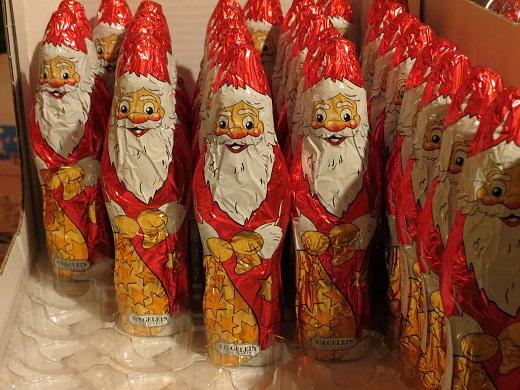 סנטה קלאוס בכל מקום. שוקולדי סנטה