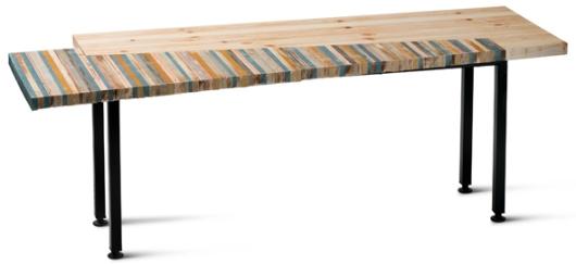שולחן סלון משאריות בד ריפוד, שיצרה טל ויצמן (צילום: יונתן בלום)