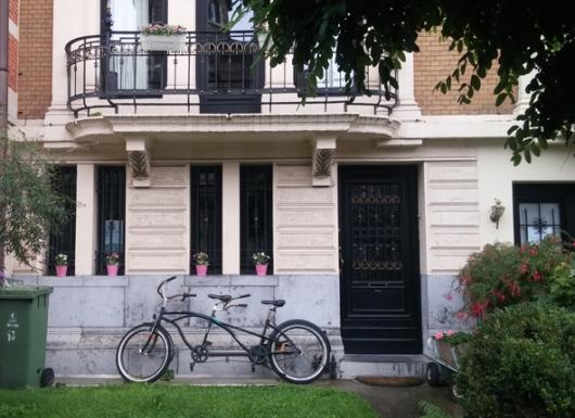 Airbnb מציגה מודל של כלכלה שיתופית, אבל החלום הצרכני עלול להפוך גם לסיוט