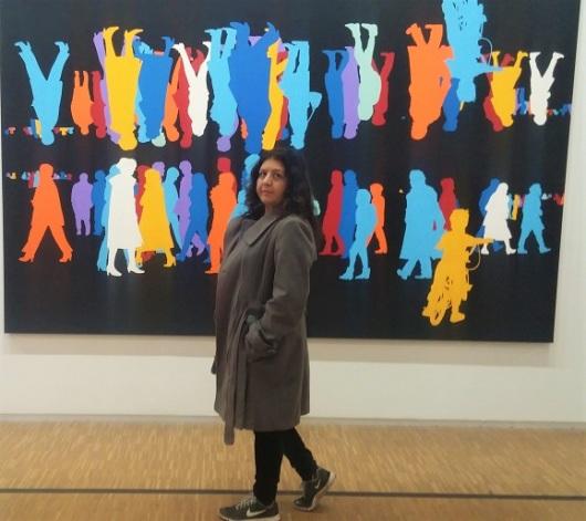 רציתי להצטרף אל האנשים הצבעוניים האלה, ללכת לאן שהם הולכים, לאיזה מקום מלא צבע ונטול דאגות. Corps a corpas, bleu, Paris-sienne, 2003-2004