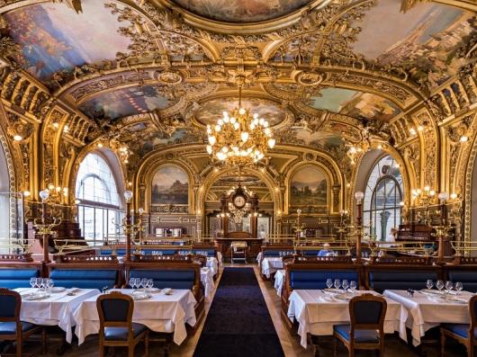 """מה שטוב לנשיא צרפת. מסעדת """"הרכבת הכחולה"""" בפריז (צילום יח""""צ)"""