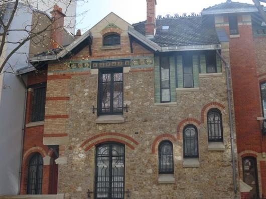ב-Villa Jassede תמצאו חוסר סימטריה בולט, שבאותם ימים נחשב לדבר לא מקובל באדריכלות