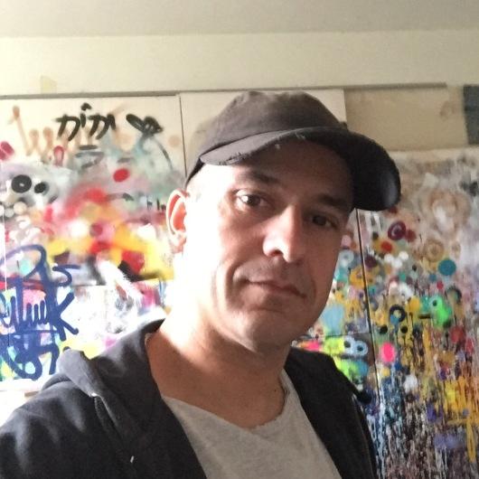 """""""לאמנות יש תפקיד חשוב בחיים של כל אחד, וכשהיא נמצאת ברחוב יש לה גם תפקיד חברתי – אני לא אצליח למחוק בעיות, אבל אני יכול להקל על אנשים"""". קמי"""