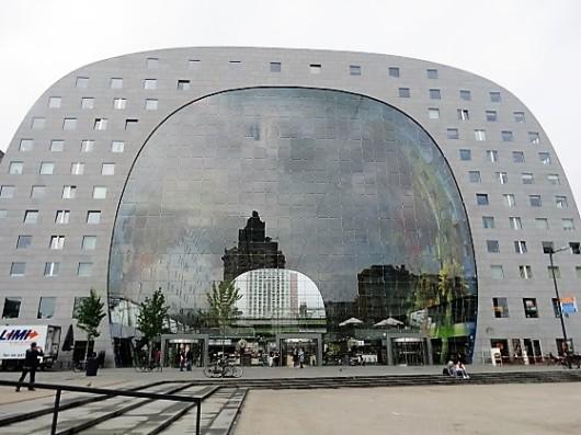 השוק המקורה הראשון בהולנד. Market Hall