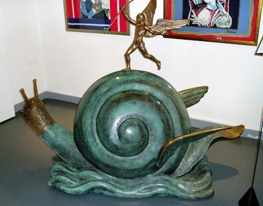 פסל במוזיאון דאלי בפריז. מאכזב, בוודאי בהשוואה למוזיאון בפיגרס שבספרד