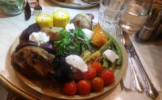 תמונת אילוסטרציה של ארוחה מצוינת במקום ירושלמי איכותי. ככה כן עושים את זה