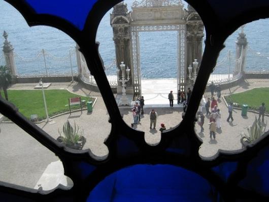 מבט מתוך ארמון הדולמאבהצ'ה באיסטנבול. כ-91% מגיעים לבלות בעיר ולא לעשות בה עסקים (צילום: גלית חתן)