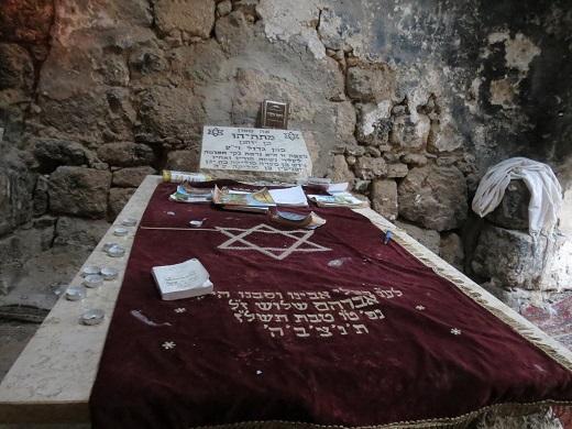 """יש כבר מי שהחליט שזהו מקום קבורתו של מתתיהו הכהן הגדול, ואין מקום להתווכח. """"קבר שייח' ע'רבאווי"""""""